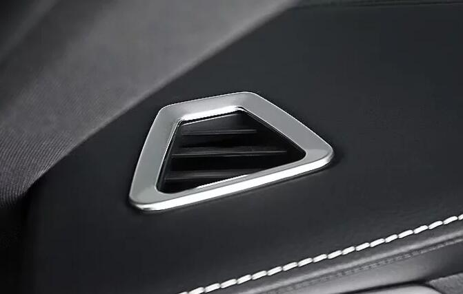 Volvo XC60 Automotive Interior Parts / Front Air Vent Cover Simple Installation