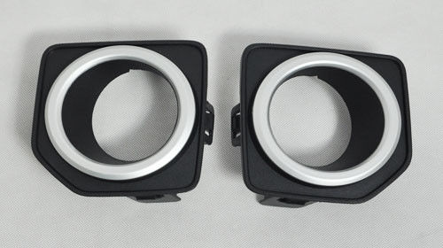 China Land Rover Freelander 2 2010 ABS Black Front Chrome Fog Light Covers Replacement With Clips supplier